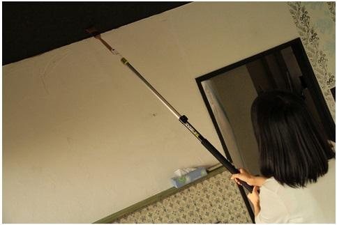 高いところも安全に楽しくペイント! ~天井塗りにあったら便利な刷毛・つぎ柄セット~