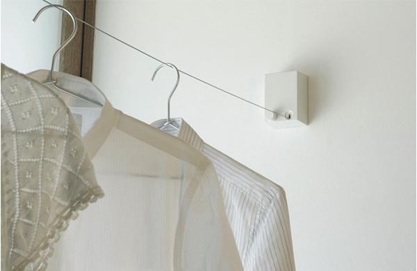 梅雨の時期に備えて室内物干しの準備を。