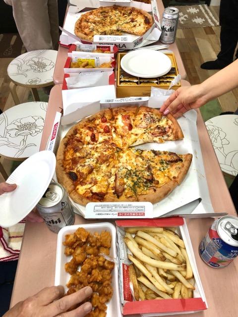 みんなでピザパーティー♪