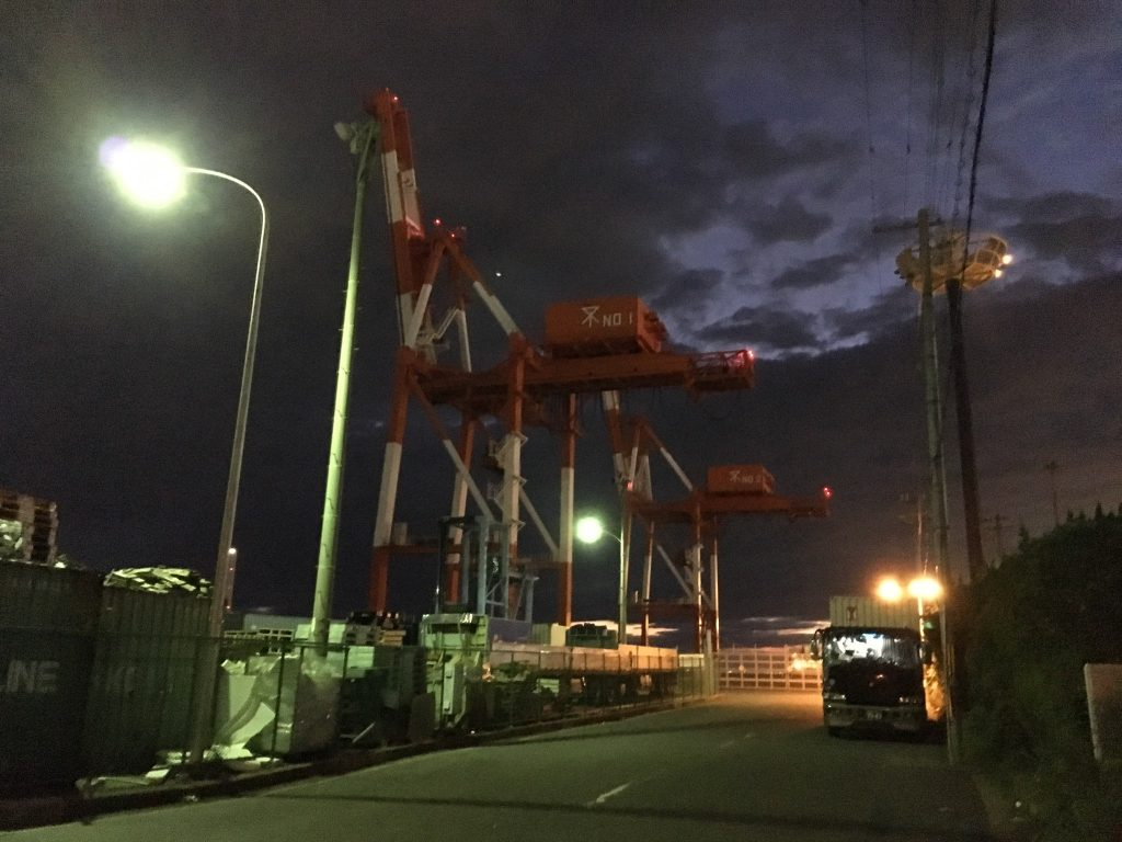 南港物流センター